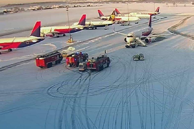 Kolizja na lotnisku w Gdańsku. Samolot zderzył się z samochodem