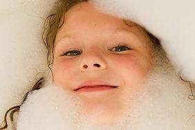 Atopowe zapalenie skóry (AZS) - pielęgnacja skóry w domu