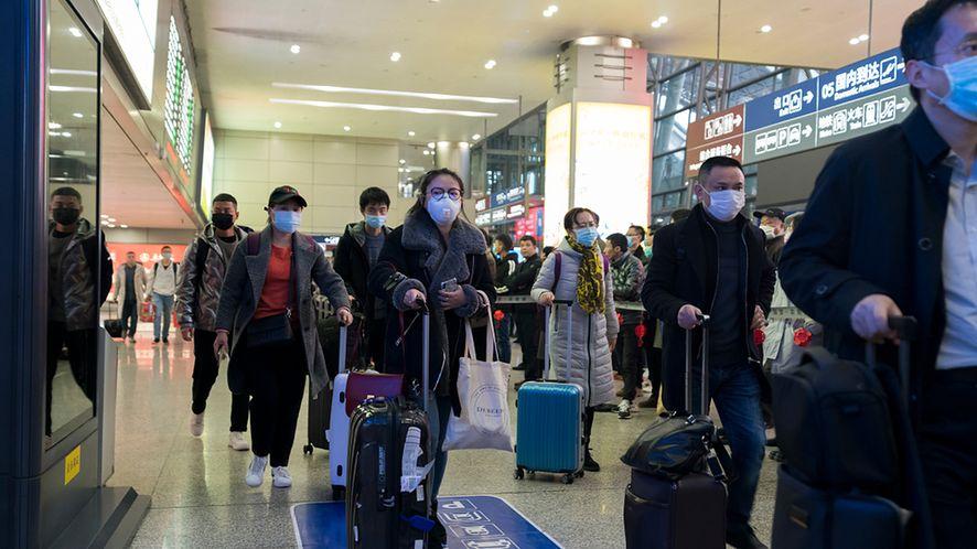 Chengdu, Sichuan. Chiny. W Polsce daleko jeszcze do takich widoków, ale poziom paniki wzrasta, fot. Shutterstock.com