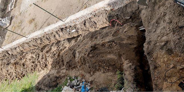 Wykop na trawniku to pewien problem, ale jedyna metoda na nielimitowany szybki Internet (fot. dobreprogramy)
