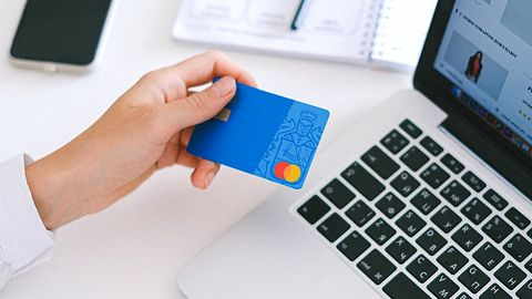 Uwaga na sklep podszywający się pod Media Expert. Oszuści próbują wykraść dane karty płatniczej