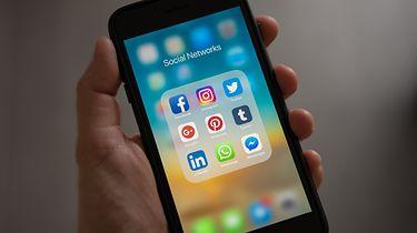 Facebook i Instagram proszą użytkowników, by pozwolili im się śledzić. Ale po co?