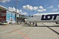 LOT wzmacnia infrastrukturę IT. Umowa z firmą Amadeus - samolot lotnisko PLL LOT linie lotnicze