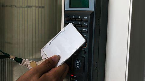Google po wymianie wadliwych zamków w biurach w Kalifornii. Dostęp był możliwy bez kart RFID
