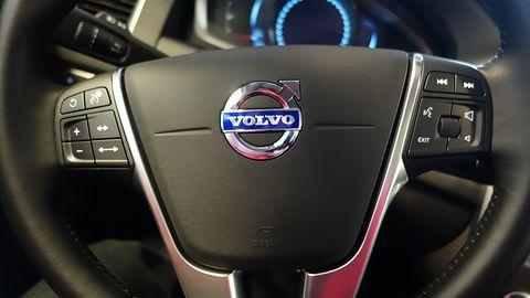 """Volvo ograniczy prędkość nowych aut do 180km/h. Będzie też """"kluczyk-opiekun"""""""