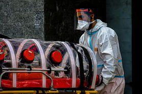W Europie stwierdzono wariant indyjski koronawirusa. Lek. Bartosz Fiałek wyjaśnia, czy powinniśmy się go obawiać (WIDEO)