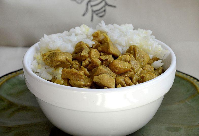 Przepis na kurczaka curry. Zrobisz go ekspresowo