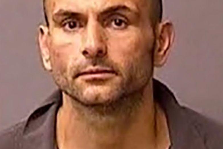 Pedofil zaatakował 5-latkę. Dzielny ojciec ruszył jej na ratunek