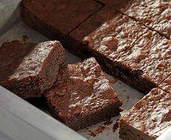 Przepis na pyszne ciasto. Głównym składnikiem jest Nutella