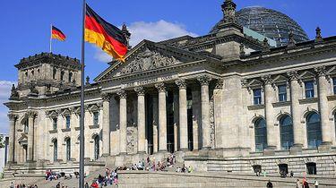 """Politycy na celowniku? """"Lista śmierci"""" pojawiła się w Niemczech - Budynek niemieckiego Bundestagu"""