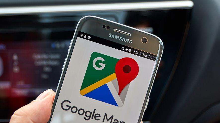 Asystent Google zaczyna trafiać do Map Google. (depositphotos)