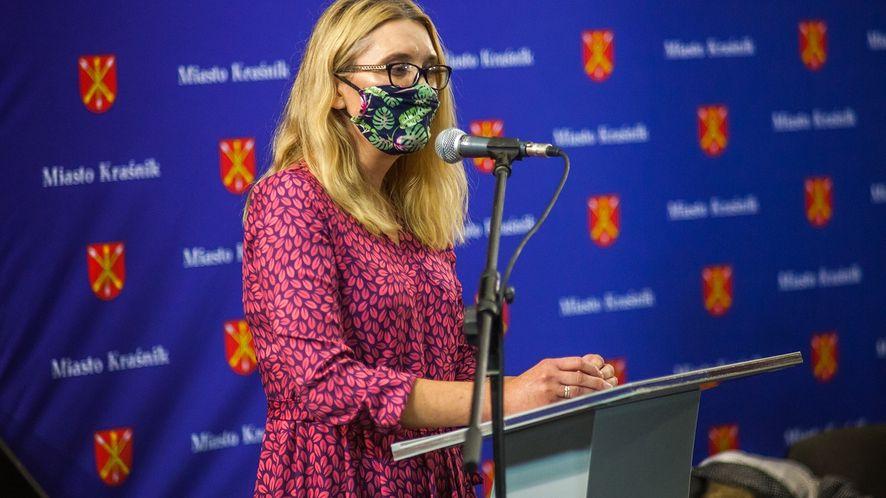 Agnieszka Krauzowicz na XXVIII Nadzwyczajnej Sesji Rady Miasta Kraśnik, fot. Grzegorz Żak