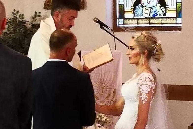 Adam i Ela brali ślub. Nagle zadzwonił telefon. Myśleli, że to żart