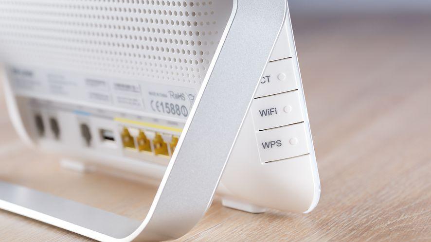 Firmware miliardów kart WiFi ma lukę. Można przejąć laptopy, routery, smartfony, konsole…