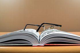 Lektury - klasa 4 (rok szkolny 2021/2022). Jakie pozycje znajdziemy w kanonie lektur obowiązkowych?