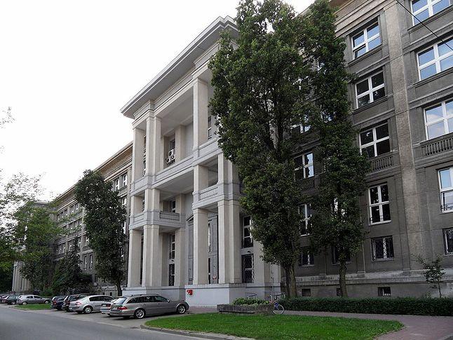 Wydział MIM UW od strony ul. Pasteura.