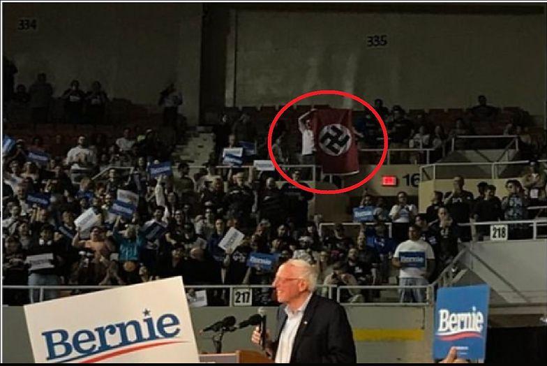 Bernie Sanders przemawiał. Na widowni flaga III Rzeszy