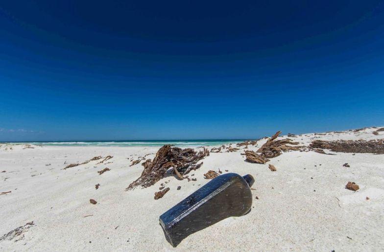 Niesamowite odkrycie na plaży. Wędrowało 132 lata