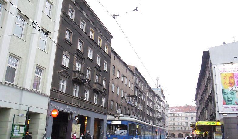 Poznań. Nie żyje 2,5-letnie dziecko. Wypadło z okna na drugim piętrze