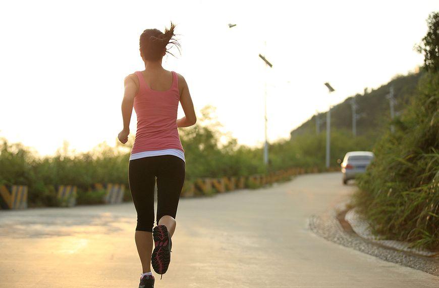 Unikaj wykonywania ćwiczeń na nierównym podłożu