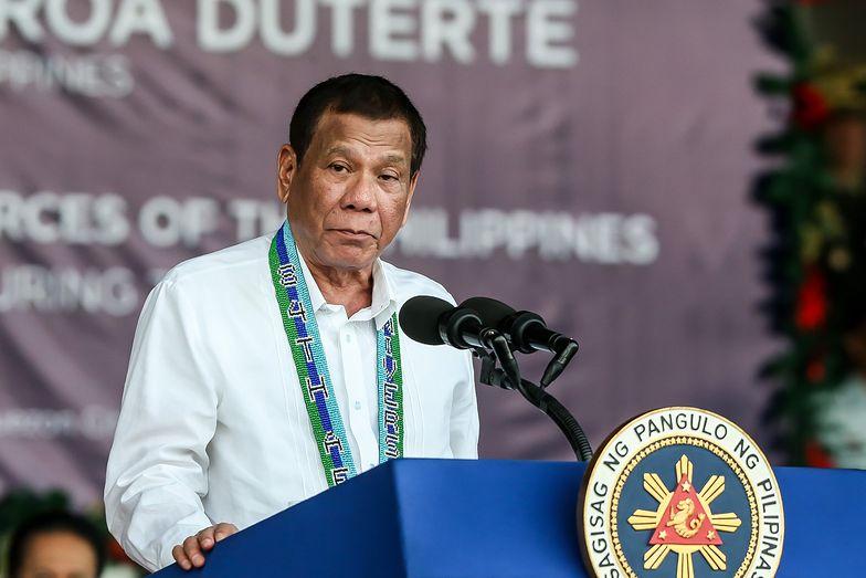 """Koronawirus. Rodrigo Duterte nazwał wirusa """"idiotą"""". Teraz przejdzie badania"""