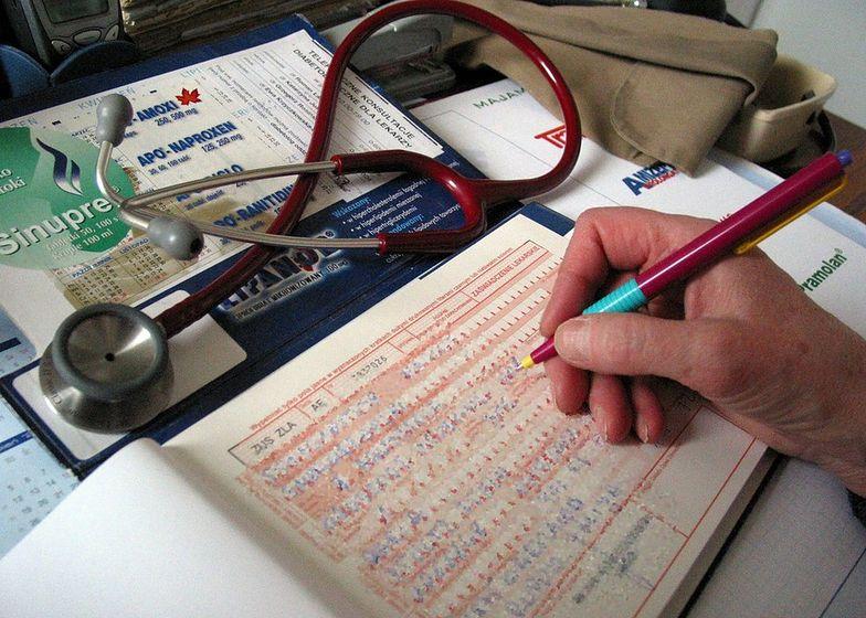 Majówka. Polacy masowo biorą zwolnienia lekarskie, chcą mieć długi weekend