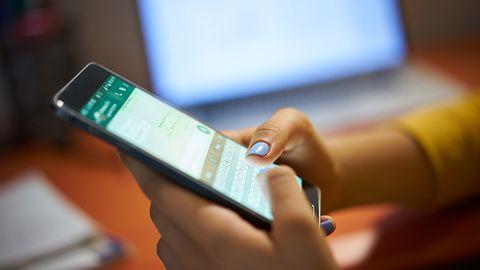 WhatsApp dostanie kolejne ulepszenia wyszukiwarki. Ciemnego motywu wciąż brak