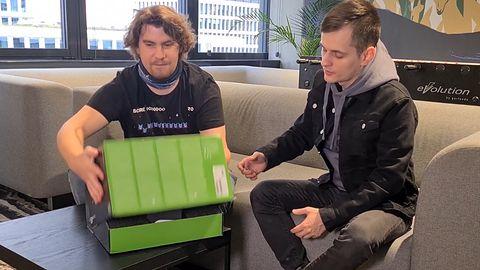 Unboxing Xbox Series X. Konsola jest mniejsza, niż się wydawało