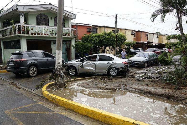 Gwatemalę i Salwador nawiedziły burze tropikalne.