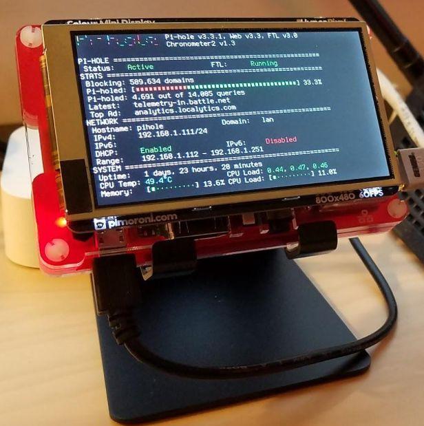 Pi-hole uruchomiony na ARM (Raspberry Pi 3) Model B+ (źródło: reddit.com)