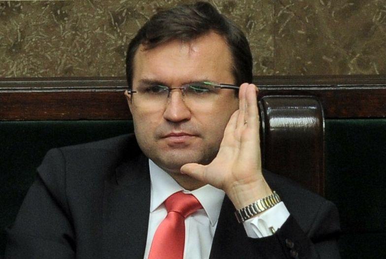 Girzyński zaszczepiony poza kolejnością. Znany politolog komentuje