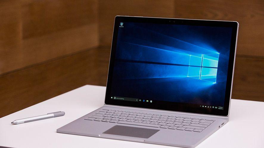 Microsoft: sprzedaż Windowsa i komputerów Surface ucierpi przez koronawirusa, fot. Andrew Burton/Getty Images