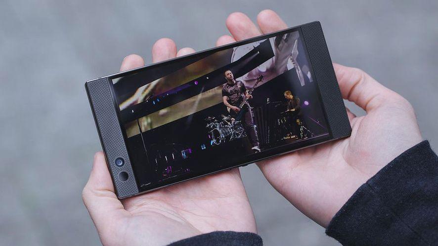 Razer Phone był pierwszym smartfonem z ekranem 120 Hz. Źródło: CNET