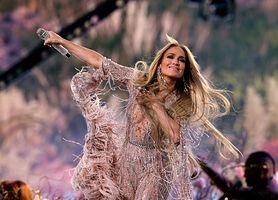 Nietypowe nawyki żywieniowe gwiazd. Sprawdź, co jedzą Jennifer Lopez, Victoria Beckham, Selena Gomez oraz Jessica Alba