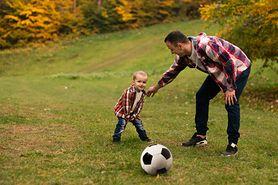 Zabawy na świeżym powietrzu mogą być groźne dla dzieci – powiedz NIE kleszczom i sprawdź, jak chronić przed nimi malucha!