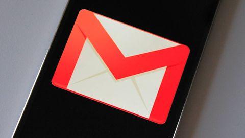 Nowy Gmail na iOS-a obsługuje wiele kont pocztowych i iPhone'a X