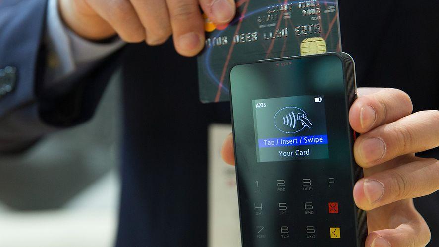 Zapłacisz kartą bez terminala. W 2018 wystarczy aplikacja na smartfon