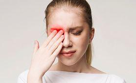 Ból oczu przy patrzeniu w bok – przyczyny i objawy towarzyszące