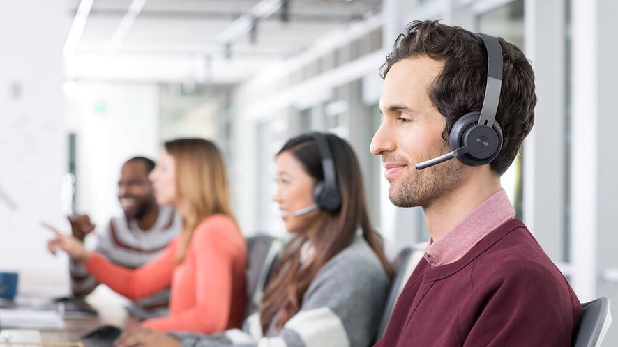 """Logitech Zone Wireless: propozycja dla pracowników """"open space"""", fot. materiały prasowe"""