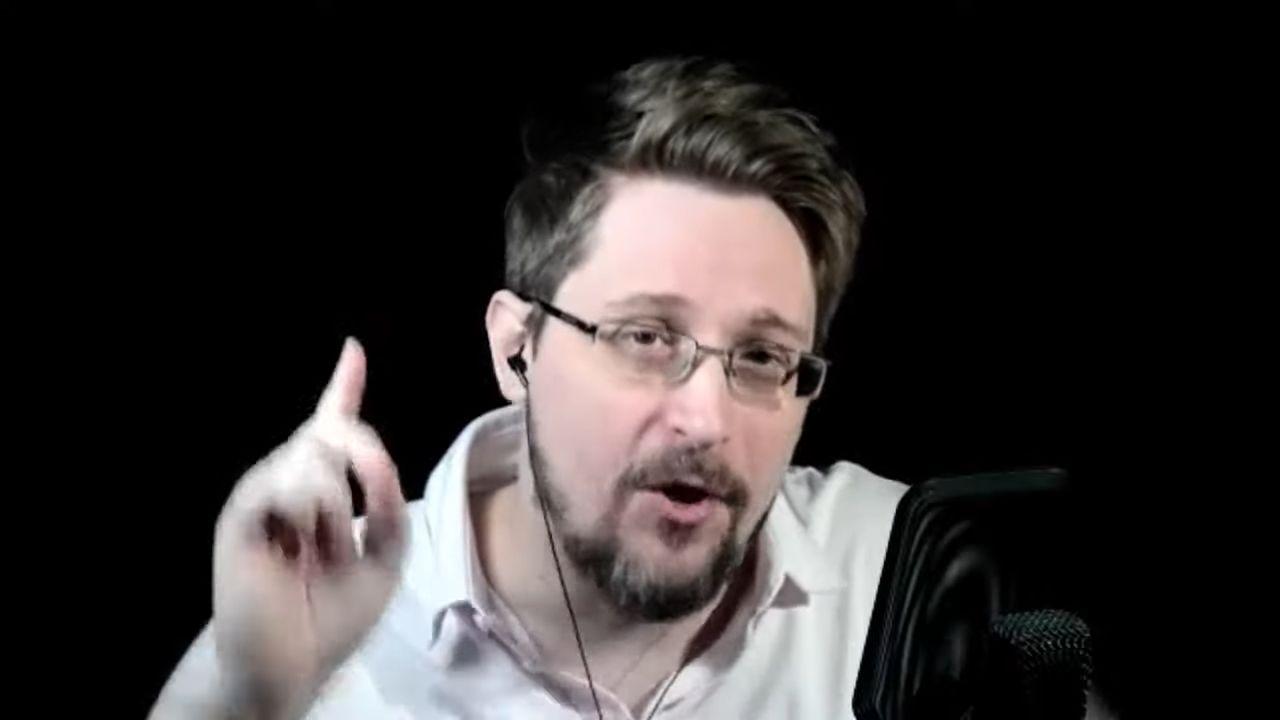 """Edward Snowden ostrzega ludzkość. """"Jeśli osłabisz szyfrowanie, ludzie będą umierać"""""""