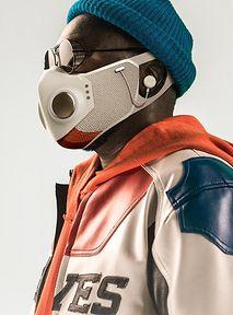 Will.i.am wypuszcza maski, które wyglądają jak drop z Polski 2077