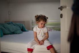 Nocne moczenie - jak pomóc dziecku?