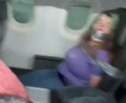 Sceny grozy w samolocie. Personel użył taśmy klejącej
