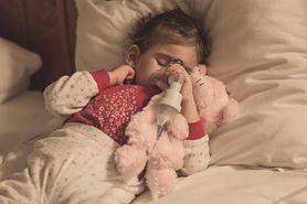 Jak przebiega zapalenie oskrzeli u dzieci? Objawy i leczenie