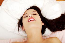 Orgazm łechtaczkowy - jak go osiągnąć? Budowa łechtaczki, techniki stymulacji, ból łechtaczki