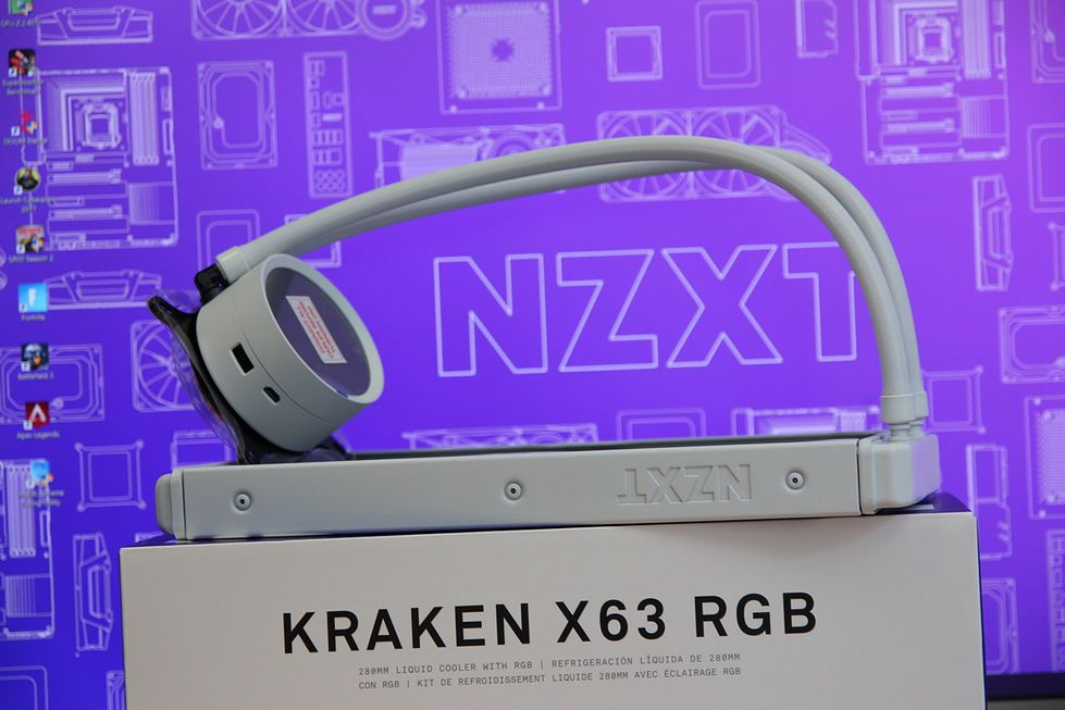 Test Krakena X63 RGB (na biało)