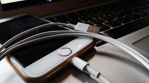 iPhone'y z nową ładowarką: nie będzie potrzebna przejściówka do MacBooka Pro