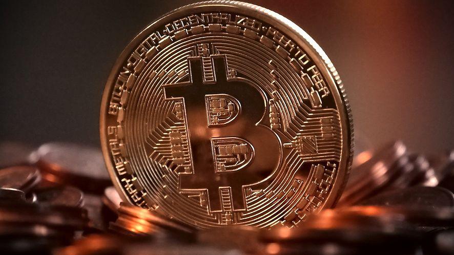 Bitcoin nadal pnie się w górę, fot. Pixabay