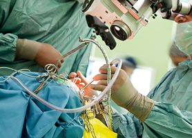 Sukces olsztyńskich lekarzy podczas operacji usunięcia guza z rekonstrukcją twarzy