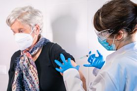 #SzczepSięNiePanikuj. Co w przypadku, kiedy zachorujemy na COVID-19 po przyjęciu pierwszej dawki szczepionki?